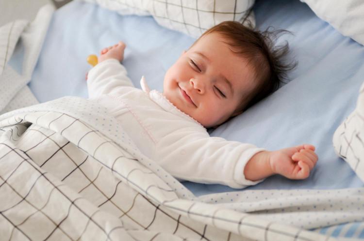 Спящий ребенок - хороший матрас!